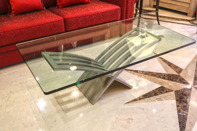 la plus belle table basse- plateau dalle verre  meuble de luxe Madélia Paris