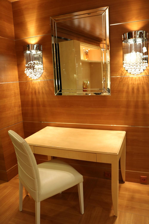 Miroir, Chaise Fauteuil Madélia décorateur Paris