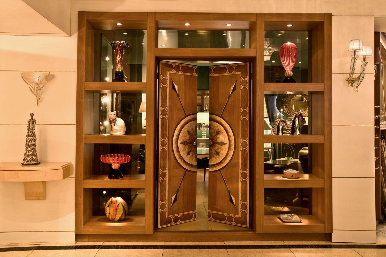 showroom mobiler de luxe d coration magasin de mobilier haut de gamme sur 850m2 paris. Black Bedroom Furniture Sets. Home Design Ideas