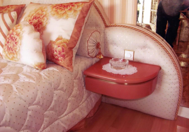 détail chevet original, table de nuit Madélia Mobilier de luxe Paris