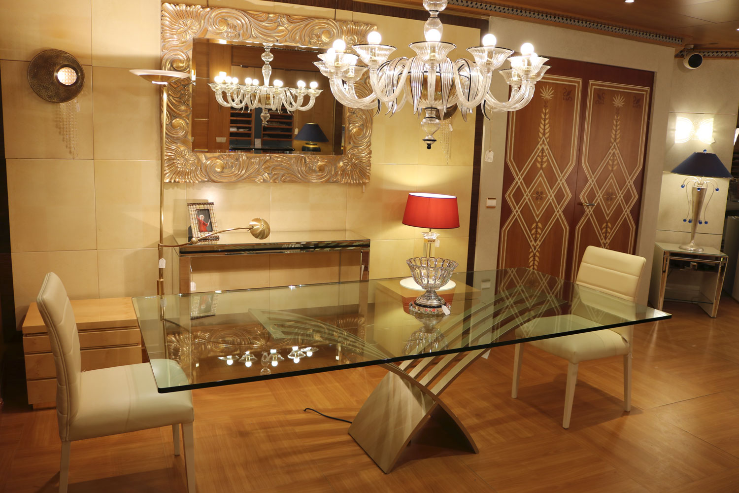 Table top in glass and central base- luxury furniture Madelia