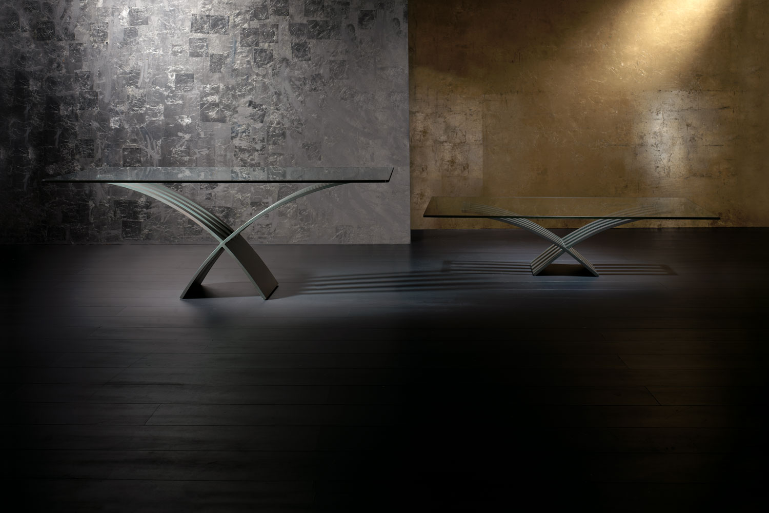 Dining Table top in glass and central base in iron - luxury furniture Madelia