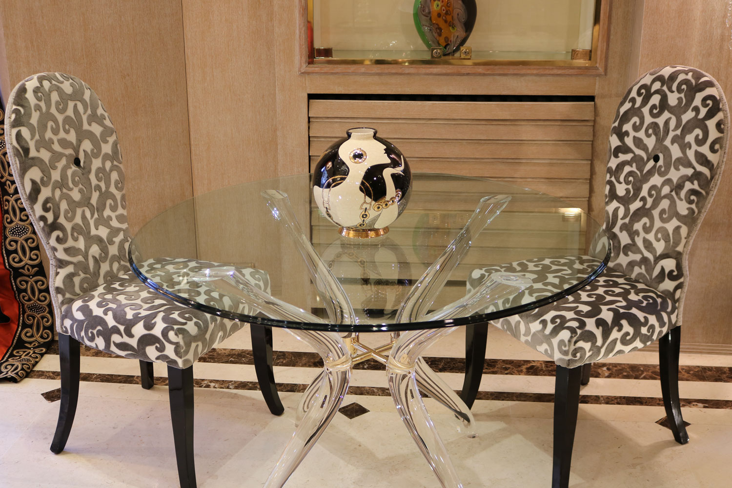 Clear dining table- luxury furniture Paris