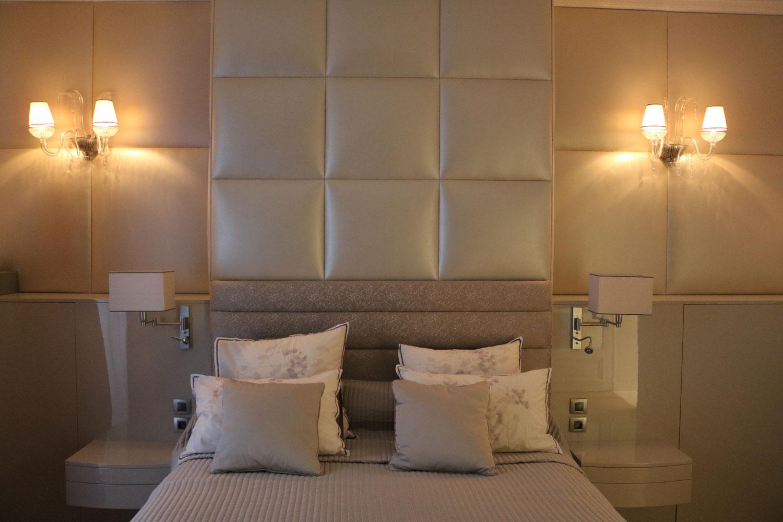 Chambre coucher commode chevet mobiler de luxe d coration magasin de mobilier haut de - Chambre a coucher magasin ...