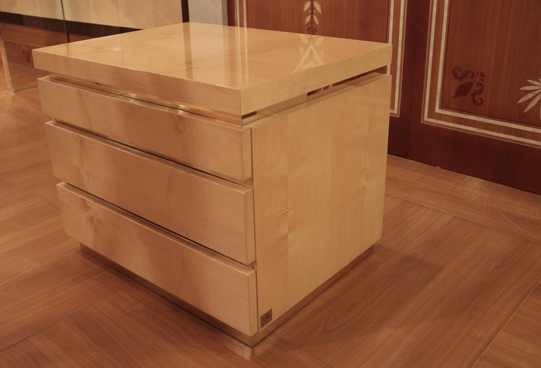 Mobilier de luxe Paris chevet 3 tiroirs la plus belle table de nuit Madelia