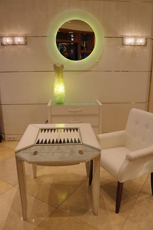 table jeux mobiler de luxe d coration magasin de mobilier haut de gamme sur 850m2 paris. Black Bedroom Furniture Sets. Home Design Ideas