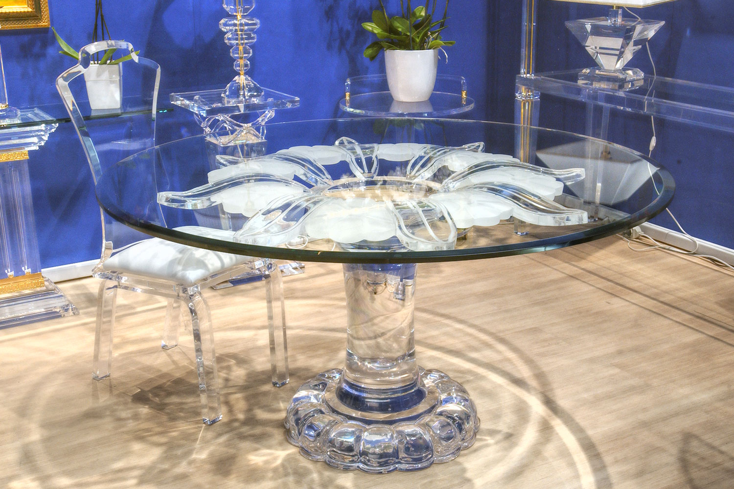 Mobilier de luxe Paris -Table transparente Fleur MADELIA PARIS