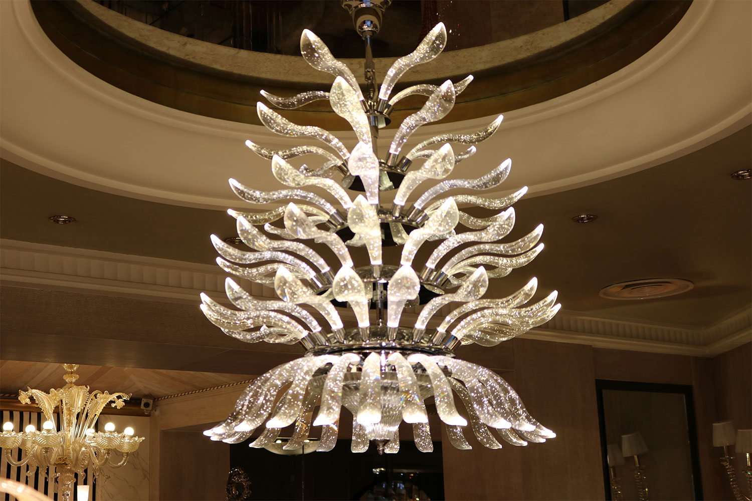 Palmeira chandelier, high-end transparent bubbled resin palm leaves-Madelia luxury lighting
