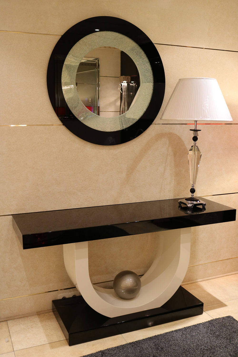 meuble en miroir art deco affordable r vitrine art deco miroir et ferronnerie with meuble en. Black Bedroom Furniture Sets. Home Design Ideas