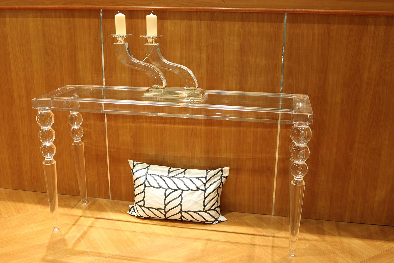 Console-pied-boule-transparente Madélia Paris Mobilier de luxe Paris -magasin de meuble de luxe Paris -