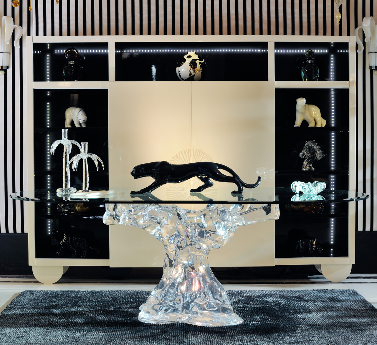 Luxury furniture France -Luxury dining table- cristal acrylic, méthacrylate-meuble art deco Las Vegas