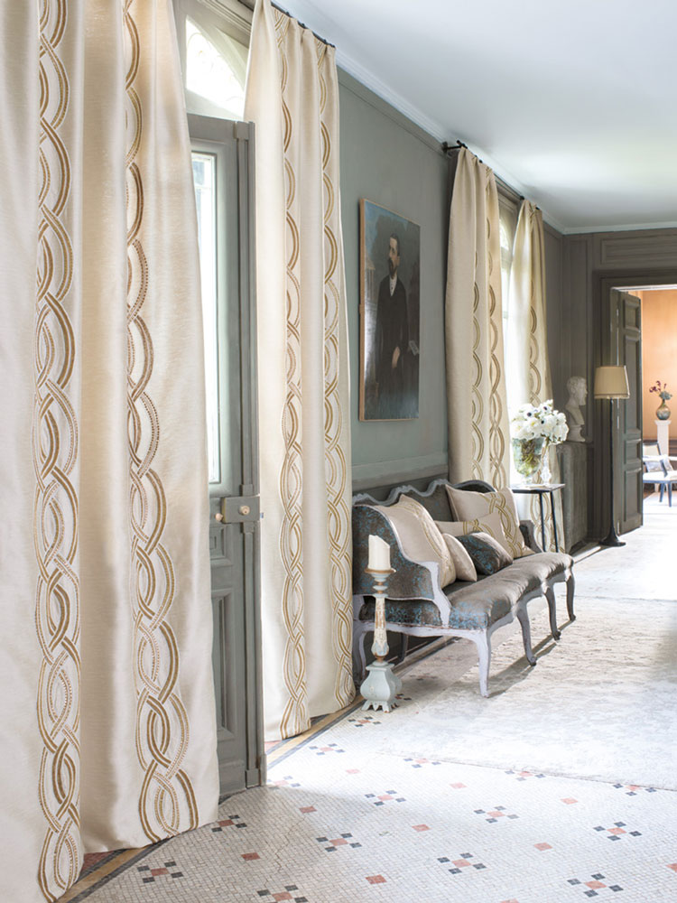 Custom curtains - Madélia Furniture and Interior design Paris