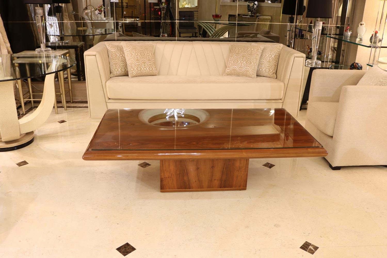 Les plus beaux canapés -canapé luxe, table basse Madélia Paris