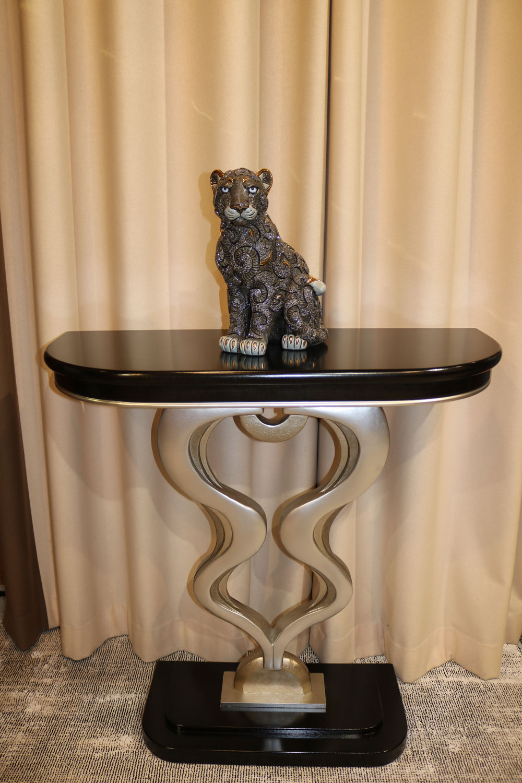Console en bois foncé- meuble de luxe- Madélia-Paris